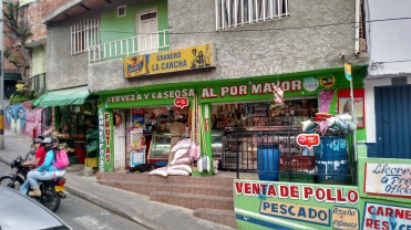 Tiendita, Comuna 13
